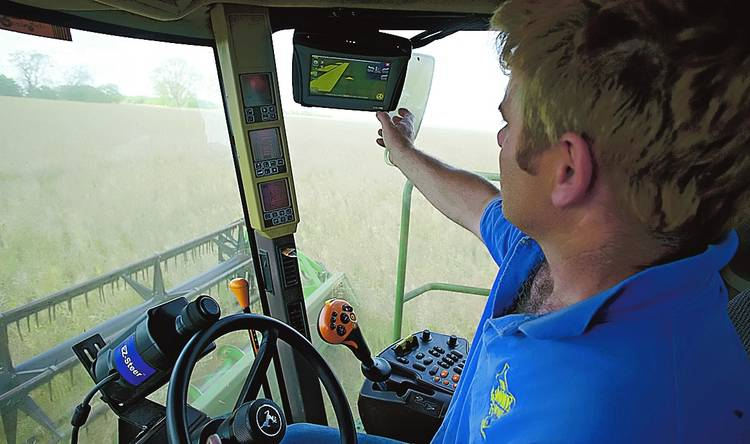 Tecnologia-Monitor-rendimiento-cosechadora-automatico_CLAIMA20130210_0171_14